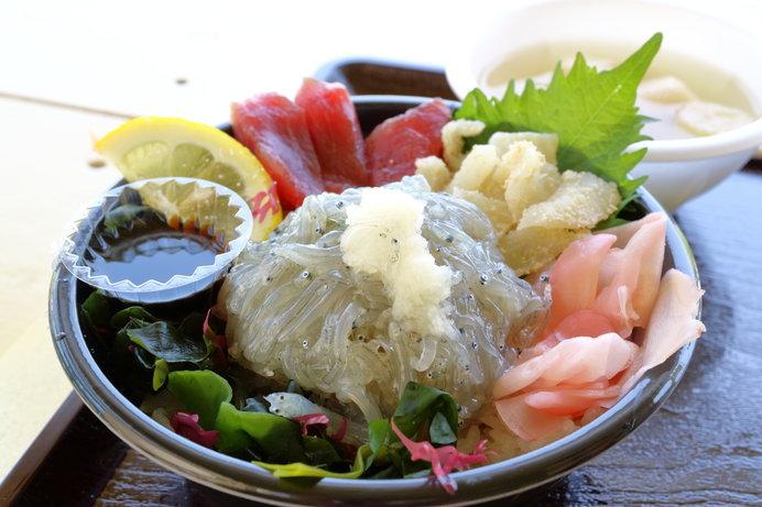 新鮮でおいしい生しらす丼(画像はイメージ)