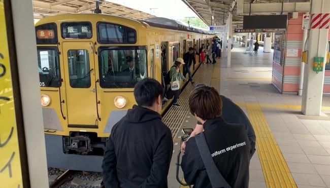 西武池袋線入間市駅ホームPV撮影風景