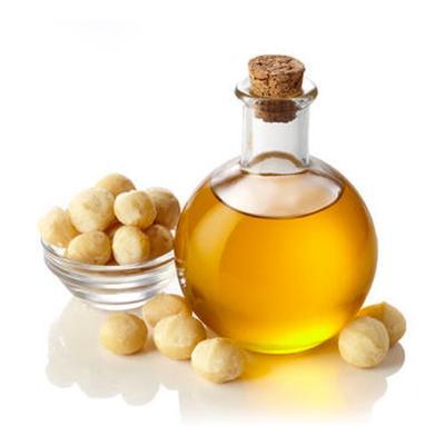 マカダミアナッツオイルなど、紫外線予防効果と美肌効果のあるオイルなどを使用