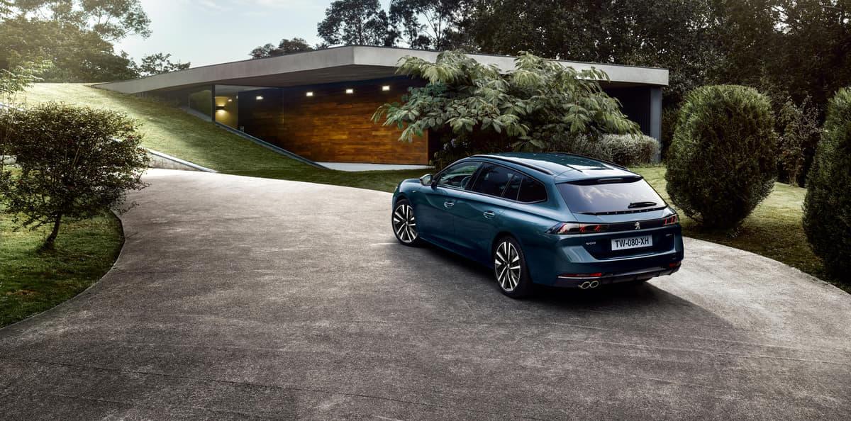 ワゴンとしての機能性と積載性を進化!プジョー新型508SW登場