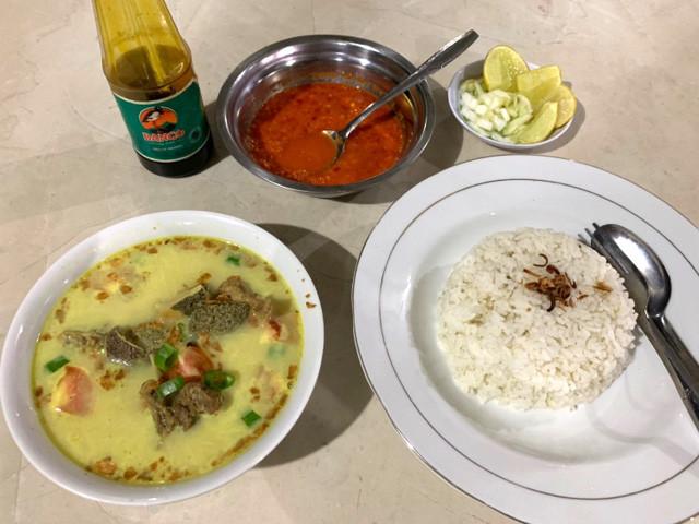 SOTO BABAT(ソトババト)は内臓スープのことだった