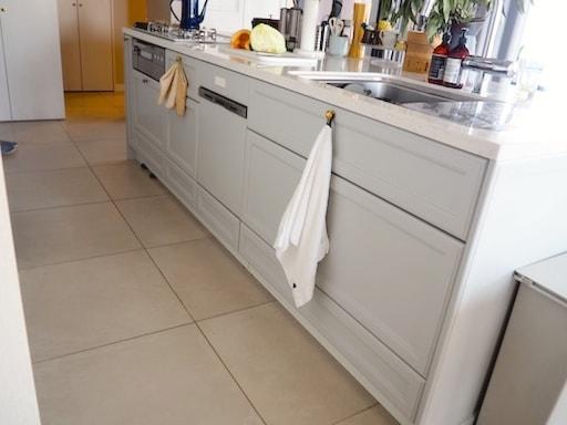 キッチン床タイル
