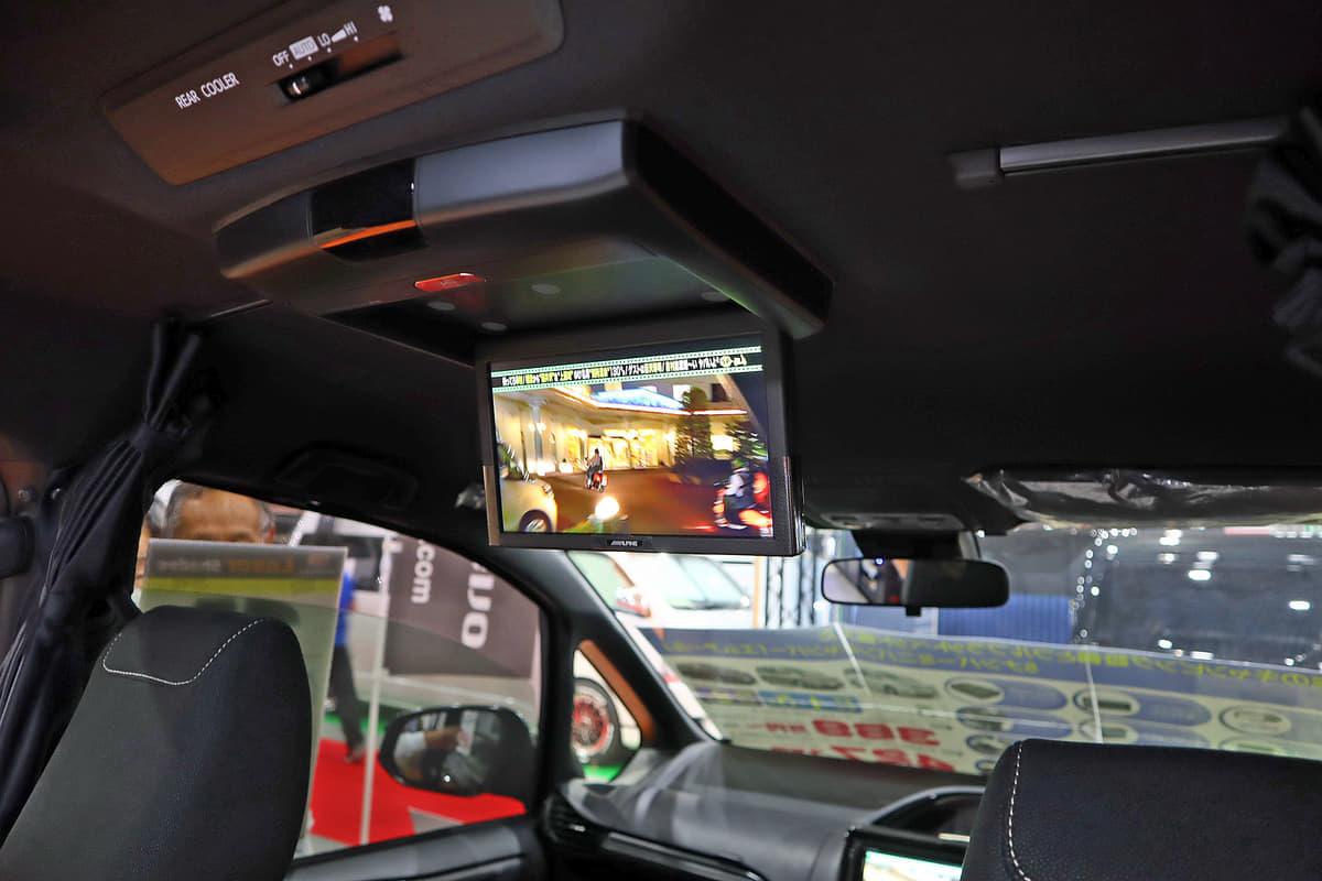 東京キャンピングカーショー2019のバンテック新潟と日産ピーズフィールドクラフト