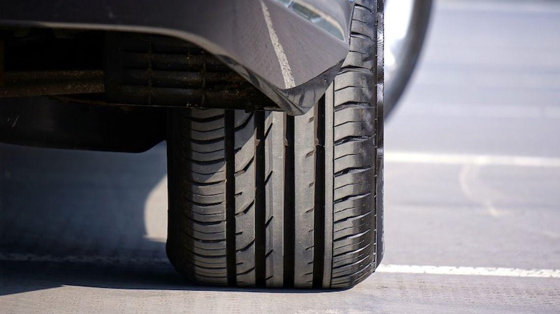 タイヤ フリー画像