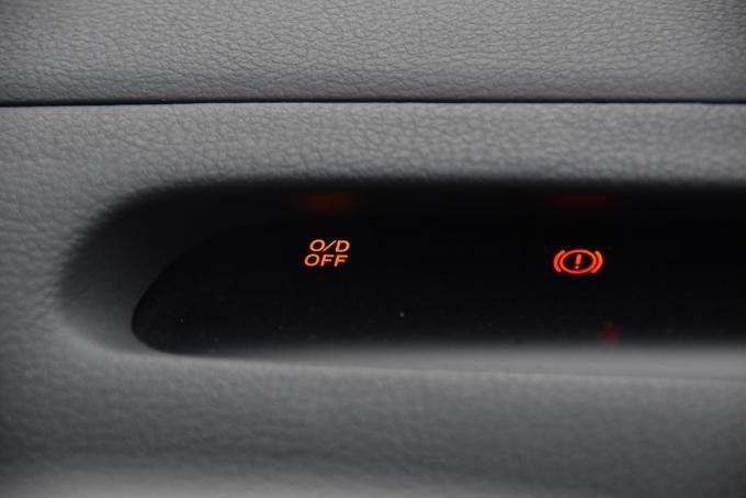ATレバーにあった「オーバードライブ」ボタンを最近のクルマから見かけなくなった理由