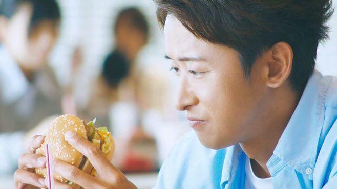 大野智さん出演CM「笑顔のためにできること、ぜんぶ。」篇(日本マクドナルド)