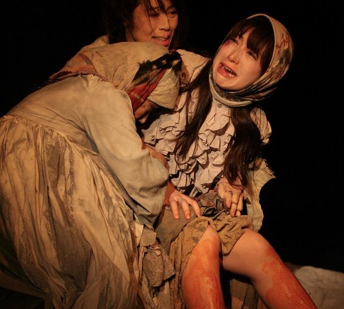 『どん底』は、マクシム・ゴーリキーによって1901年冬から1902年春にかけて書かれた戯曲