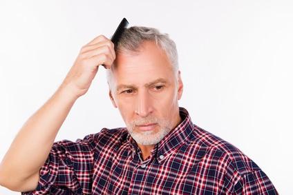 白髪は薄毛になりにくいって本当?
