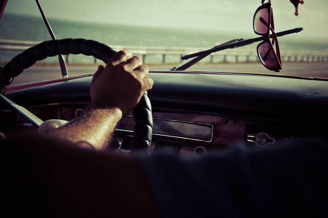 運転 サングラス