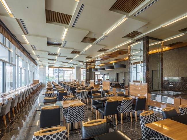 3階 直営レストラン「ラ・ベランダ」