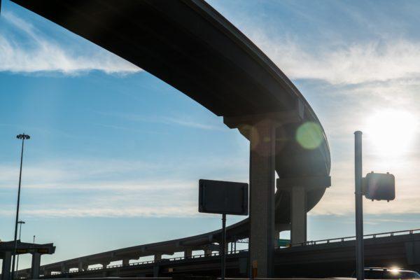 陸橋・高速道路