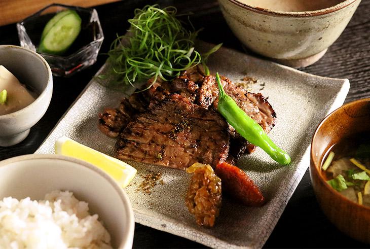 「牛たんの炙り焼き」1830円
