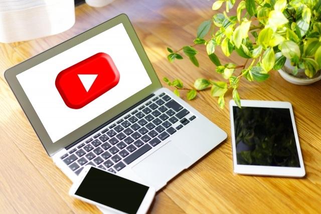 Youtuberの副業率は?