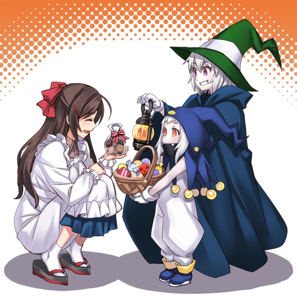 お菓子くれないとイタズラしちゃうぞ ハロウィン仮装 の女子