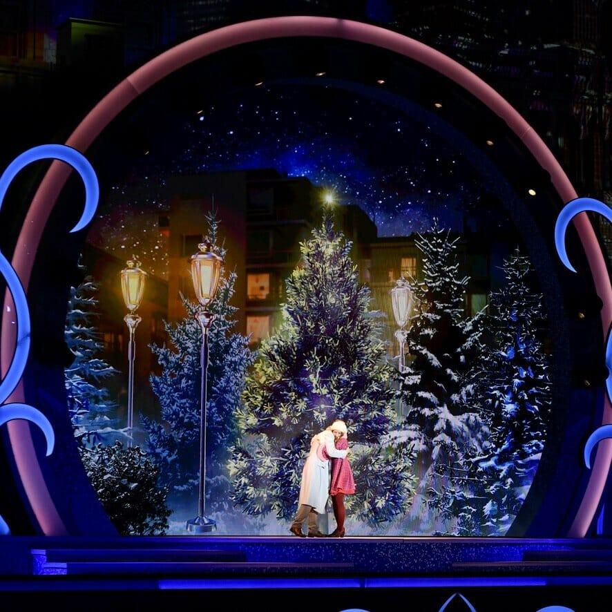 """ユニバーサル・スタジオ・ジャパン""""ユニバーサル・クリスタル・クリスマス2019""""クリスタルの約束 アンドレアとジャン"""