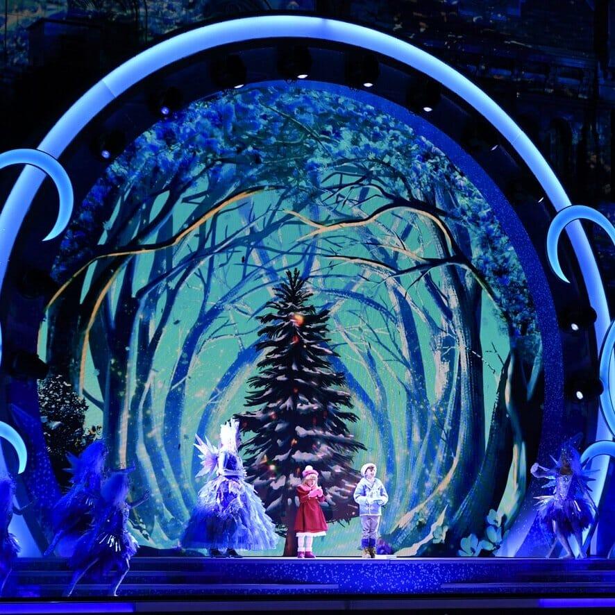 """ユニバーサル・スタジオ・ジャパン""""ユニバーサル・クリスタル・クリスマス2019""""クリスタルの約束1"""