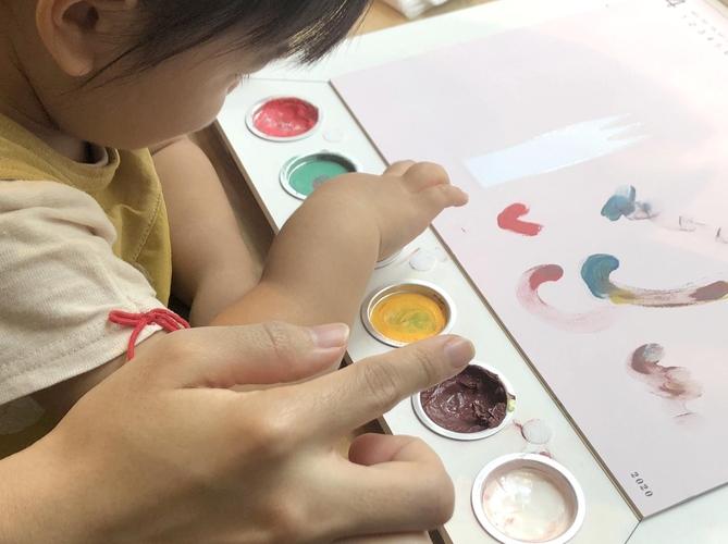 【リプラグ】お絵かきカレンダー Atelier mio(アトリエ ミオ)お絵かきの様子
