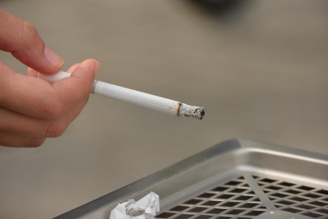 禁煙に取り組んでいない企業の3割「喫煙者の理解が得られない」
