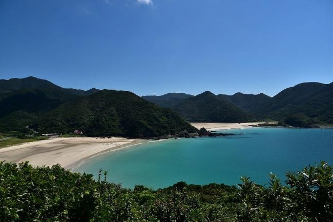 日本一美しい砂浜と言われる高浜海水浴場