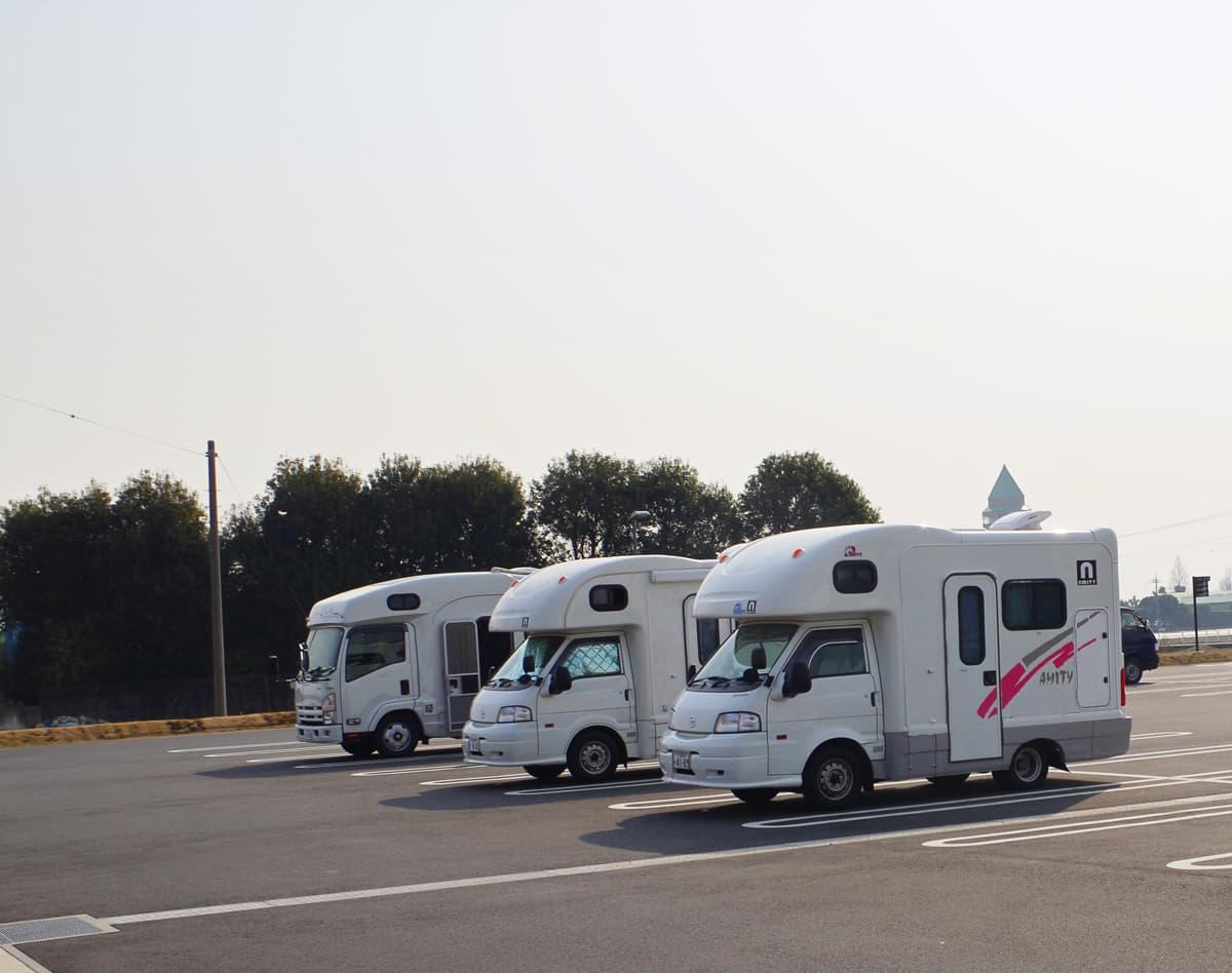 日本で本格的キャンピングカーが欧米ほど普及しない理由と対策