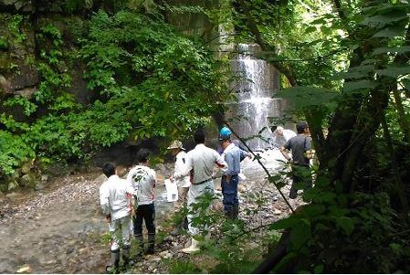 【予定地】安房谷小水力発電所の調査風景(水力) 出力:657kW