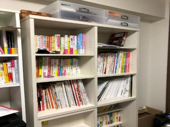著者宅の本棚