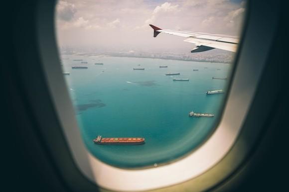 window-2600716_640_e