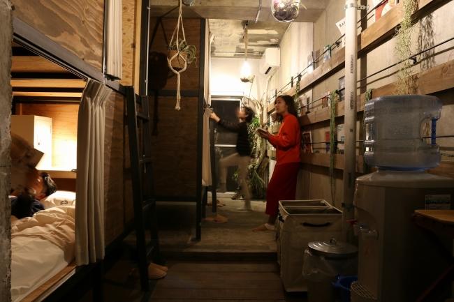 男女混合BUNKルームの様子。