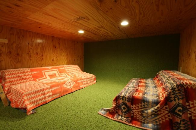 BUNKベッドの下段。