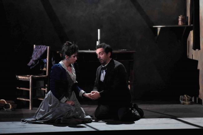 新国立劇場『ラ・ボエーム』2016年公演より 撮影:寺司正彦