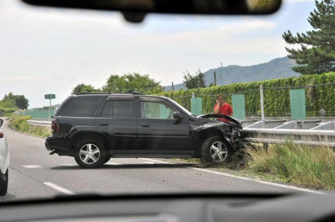 高速道路にある非常電話の使い方