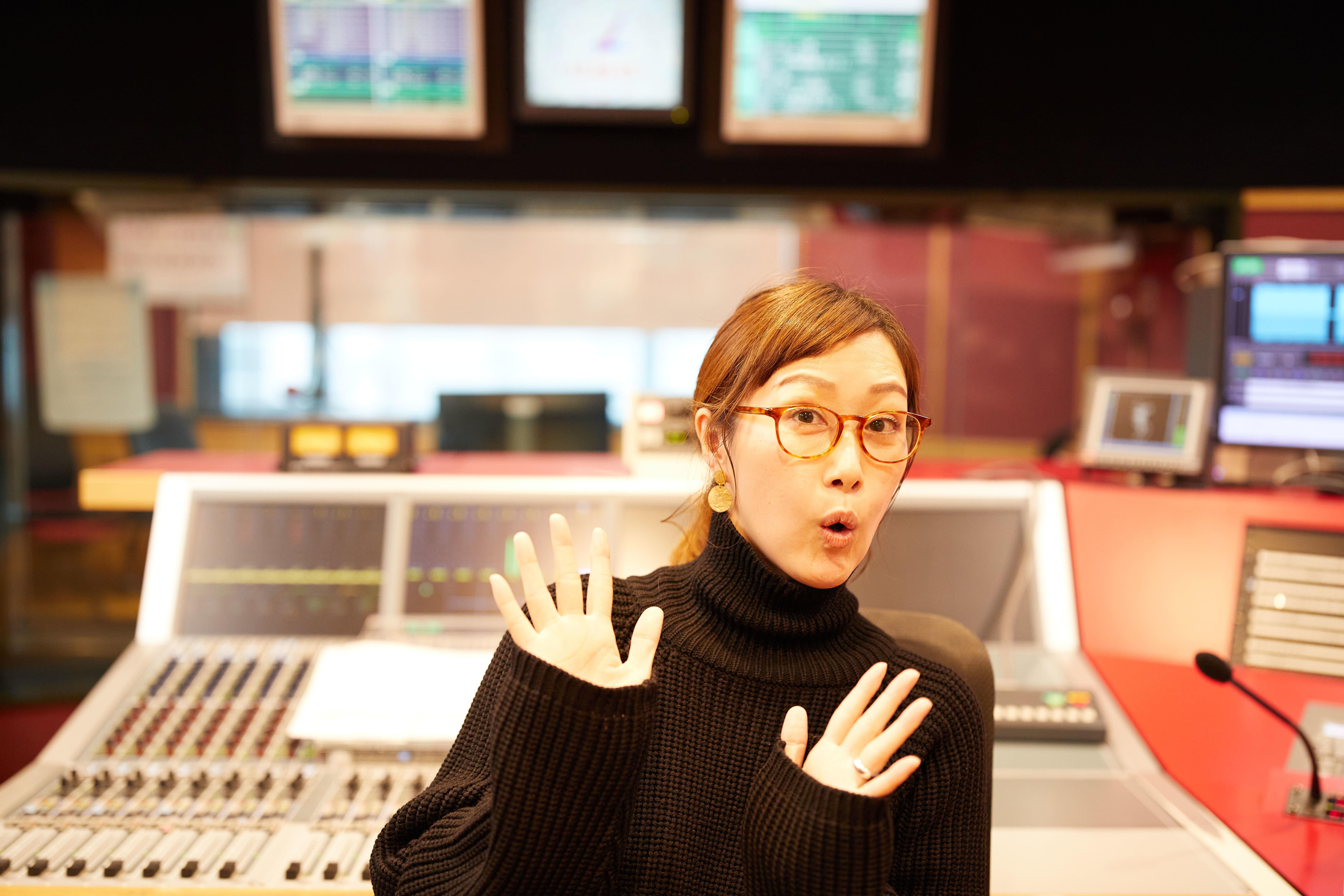 仁井聡子(FM802 DJ)