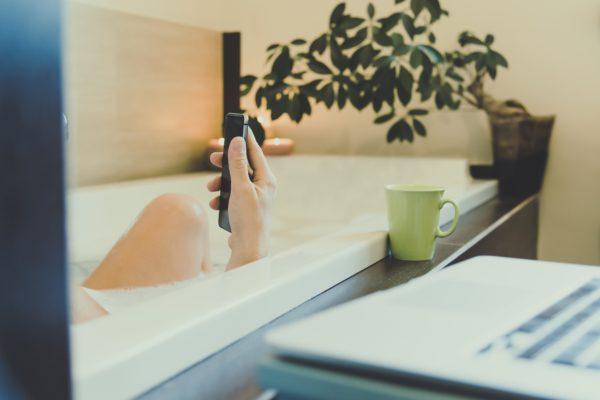 風呂・スマホ