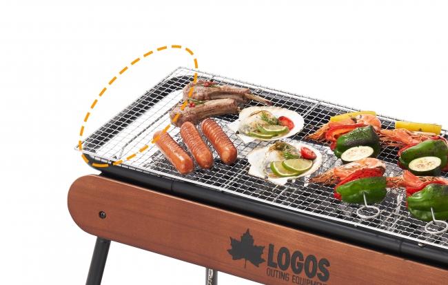 焼網の両サイドは火床よりも長いため、火床のかからない空間を活用して、お肉や野菜などの焼き過ぎ防止ができ、効率的な調理を実現。