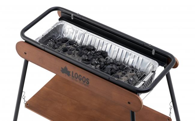 「BBQお掃除楽ちんカバー」が付属しており、火床にセットすれば、使用後は残灰ごと丸めて捨てるだけなので、後片付けがラクラク。