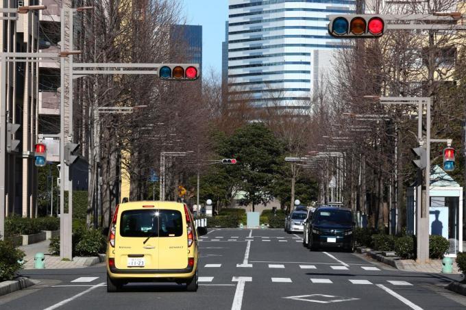 横断歩道のないところを渡る「乱横断」の危険性