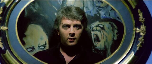 序盤の鏡に、実は真犯人が映り込んでいたシーンは、あまり...