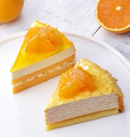(左)清見オレンジのレアチーズ  (右)清見オレンジのミルクレープ