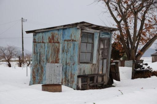 お歳を召したように見える小屋