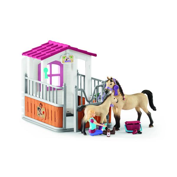 ホースボックス(アラビア馬とグルーマー付き)2