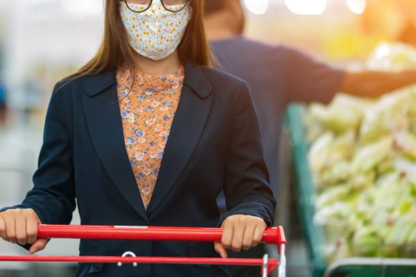 スーパーマーケット・マスク・買い物