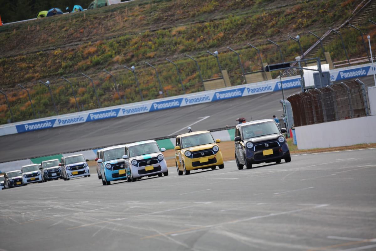 モータースポーツを始めるならレーシングカートかハコ車か