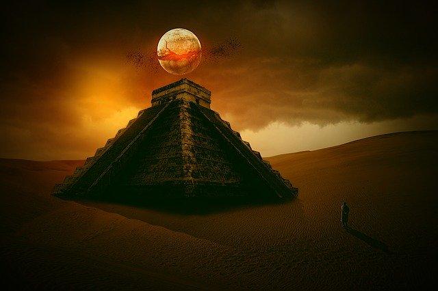 pyramid-4182848_640