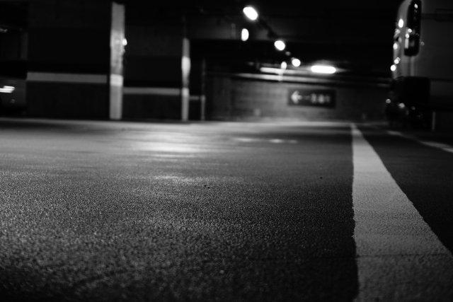 駐車場でボール遊び(画像はイメージ)