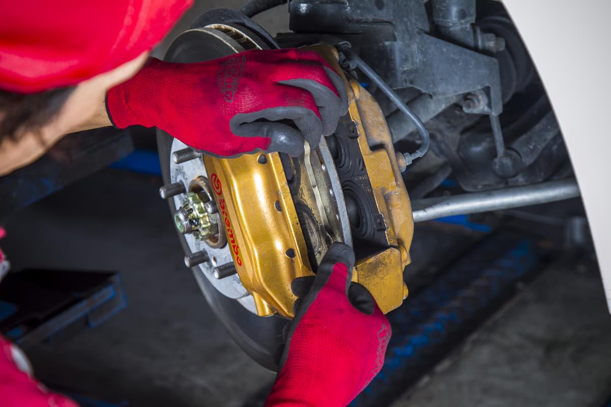 手抜きは「即」修理工場行き! 常人なら「面倒くさすぎ」音を上げる「旧車乗り」の常識7つ