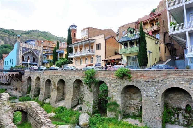 東西が混じり合う風景が美しい、ジョージアの首都・トビリシの旧市街を歩く