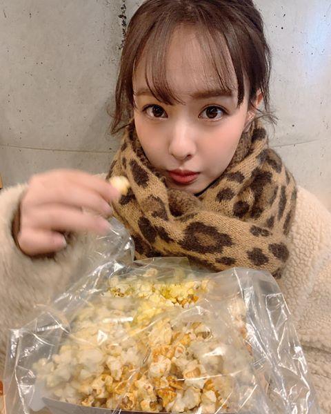 あ~んしてもらって食べたいです」山田菜々、ポップコーンをつまんだ ...