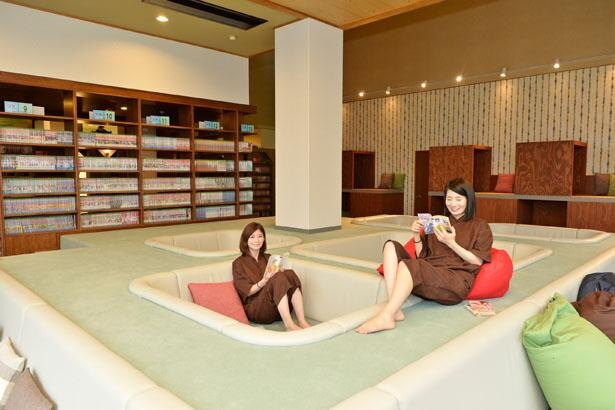 1万3000冊以上の漫画がそろう!「Book&Spa uguisu」へ潜入